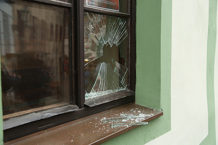 A2B Glass are able to board up broken windows while they are being repaired in Shooters Hill.